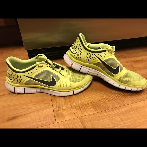 Mens 11 Nike Free Run 3 neon yellow